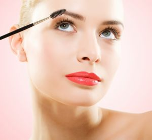 Comment savoir si votre maquillage est périmé ?
