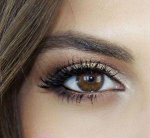 Maquillage : 6 façons de mettre en valeur ses yeux marron