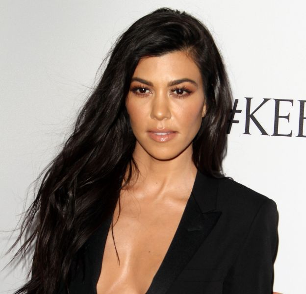 Kourtney Kardashian pose nue sur Instagram.