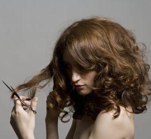 Couper ses cheveux soi-même : bonne ou mauvaise idée ?