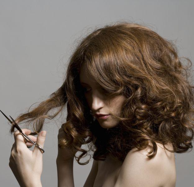 Couper ses cheveux soi-même, on tente ou pas ?