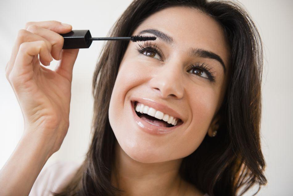 Extensions de cils : peut-on les recouvrir de mascara ?