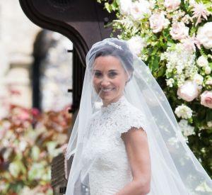 Pippa Middleton a fait confiance au créateur Giles Deacon pour lui dessiner sa robe de mariée.