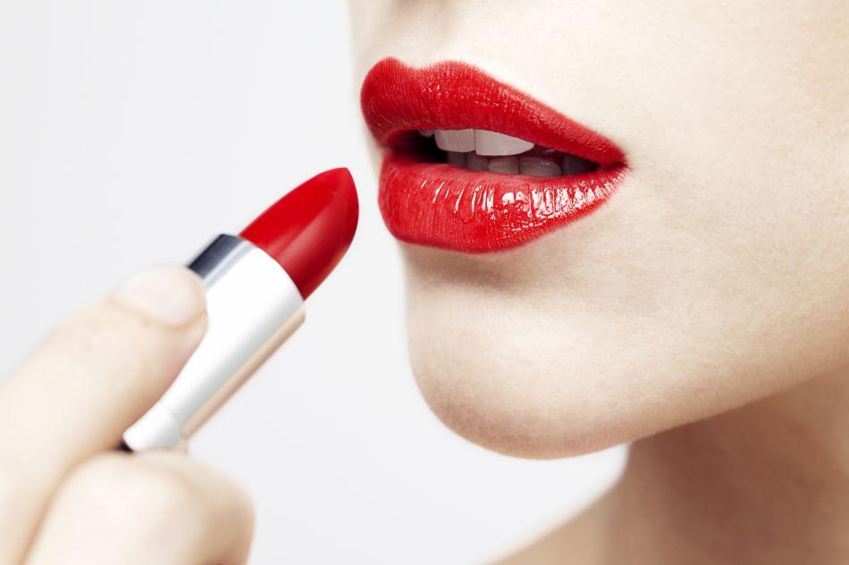 Rouge à lèvre rouge : quelle teinte choisir ?