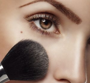 Maquillage : la zone où tester son fond de teint pour ne plus se tromper