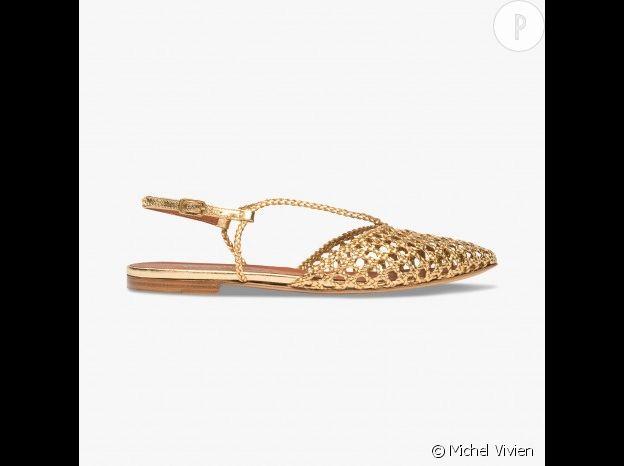 Sandales plates dorées Michel Vivien, 590€.