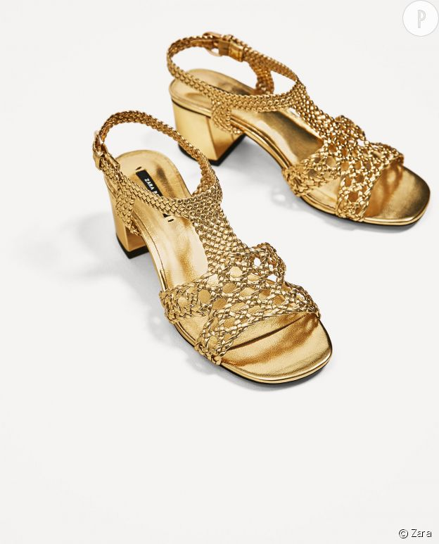 Sandales dorées Zara, 49,95€.