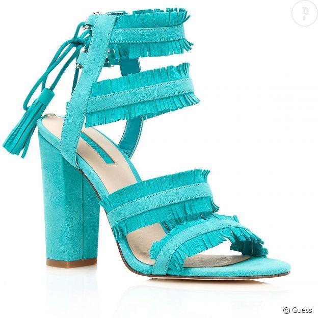 Sandales à franges Guess.