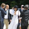 Rihanna ultra sensuelle dans sa robe blanche Dior.