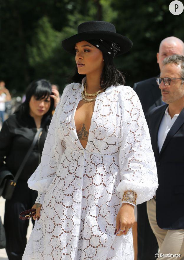 Rihanna à Paris pour la remise du LVMH Prize 2017.