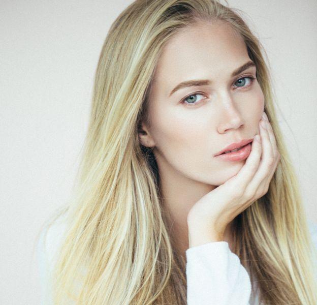 Couleur cheveux blond : quelle nuance adopter ?