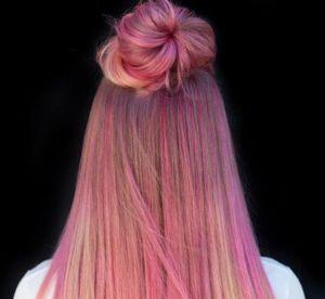 Les cheveux Pink lemonade, la nouvelle colo rose la plus cool du moment