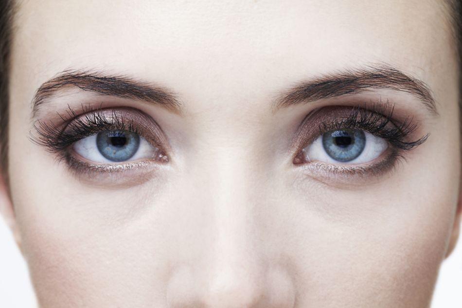 Préféré Ces couleurs qui mettront en valeur les yeux bleus - Puretrend #ZA_98