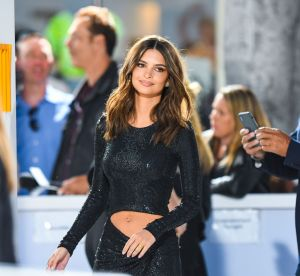 Emily Ratajkowski nombril à l'air : comment copier son look so 2000's ?