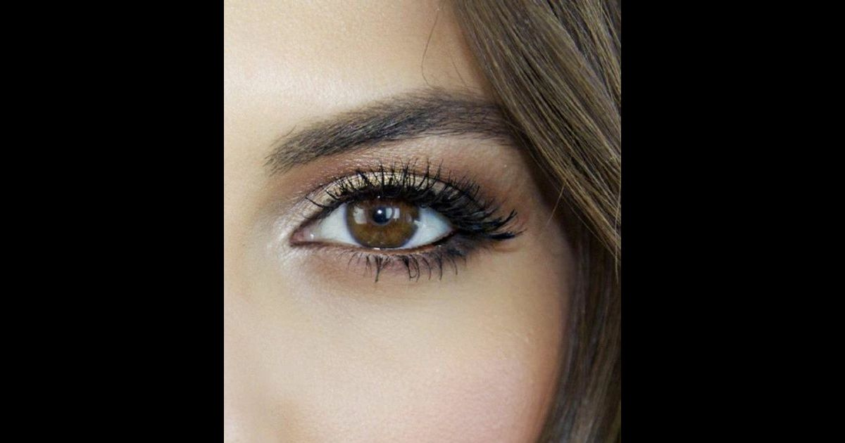 Yeux marron les couleurs du printemps pour faire ressortir ses yeux puretrend - Couleur complementaire du marron ...