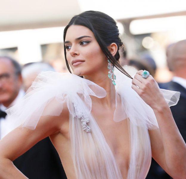 Kendall Jenner ose la transparence à Cannes. Découvrez les célébrités qui lui ont emboîté le pas.