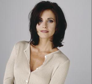 Courteney Cox a 54 ans : retour sur les meilleurs looks de Monica dans Friends