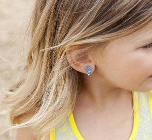 Les oreilles percées chez les enfants, pourquoi ça fait débat ?