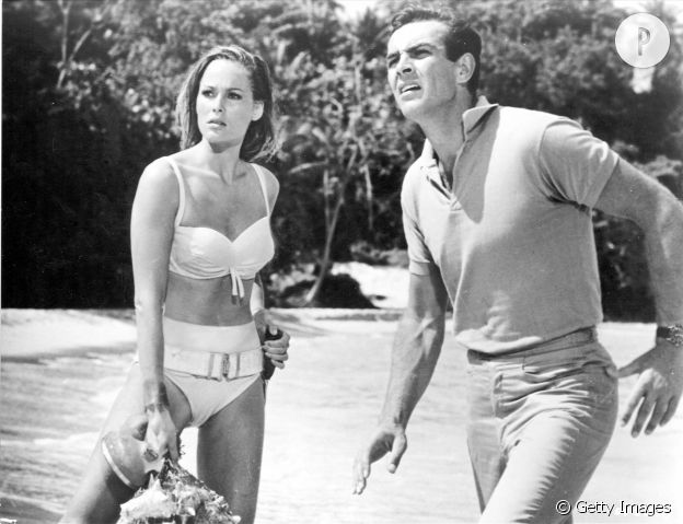 "Ursula Andress dans ""James Bond contre Dr. NO""."