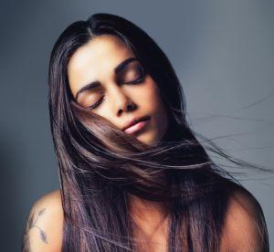 5 bonnes raisons de ne pas céder à la tentation de la décolo quand on est brune