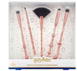 5 accessoires qu'il nous faut pour bingwatcher Harry Potter sur Netflix
