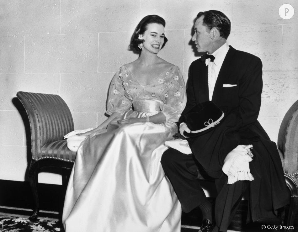 Frank Sinatra et Gloria Vanderbilt, Nouvel An 1954.