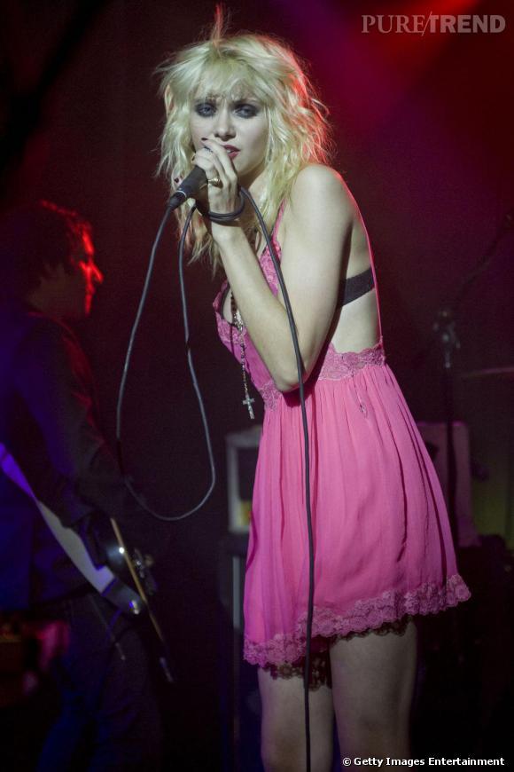 """Taylor Momsen en concert à l'Hiro Ballroom avec son groupe de Rock """"The Pretty Reckless"""""""