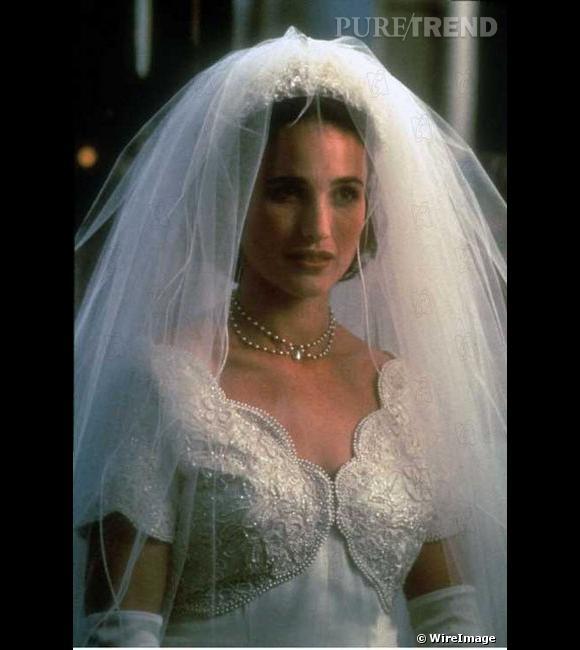 """Andy Mac Dowell, une mariée mythique dans """"Quatre mariage et un enterrement"""""""