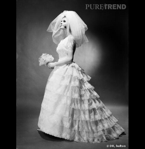 La robe de marié dans les années 50, une période de grand faste, les grands couturiers se mettent à dessiner des pièces de rêve à emporter...