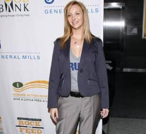 Lisa Kudrow maîtrise à merveille le style masculin-féminin