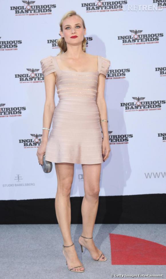 Diane Kruger  prouve que le nude peut aussi aller sur des robes à la coupe moderne.