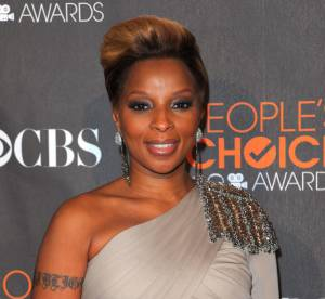 Mary J Blige illumine le tapis rouge