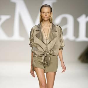 Défilé Max Mara - Natasha Poly - Milan Printemps Eté 2010