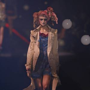 Défilé John Galliano - Caroline Trentini - Paris Printemps Eté 2010