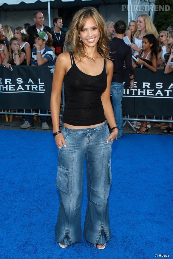 Britney Spears, sors de ce corps! Out le jean large avec des poches sur les cuisses.