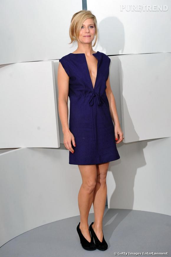 Marina Fois, le charme discret de la petite robe bleue