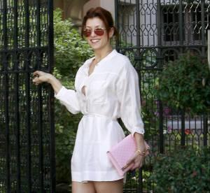 Kate Walsh porte sa chemise en robe pour un look chic et sexy... A shopper !
