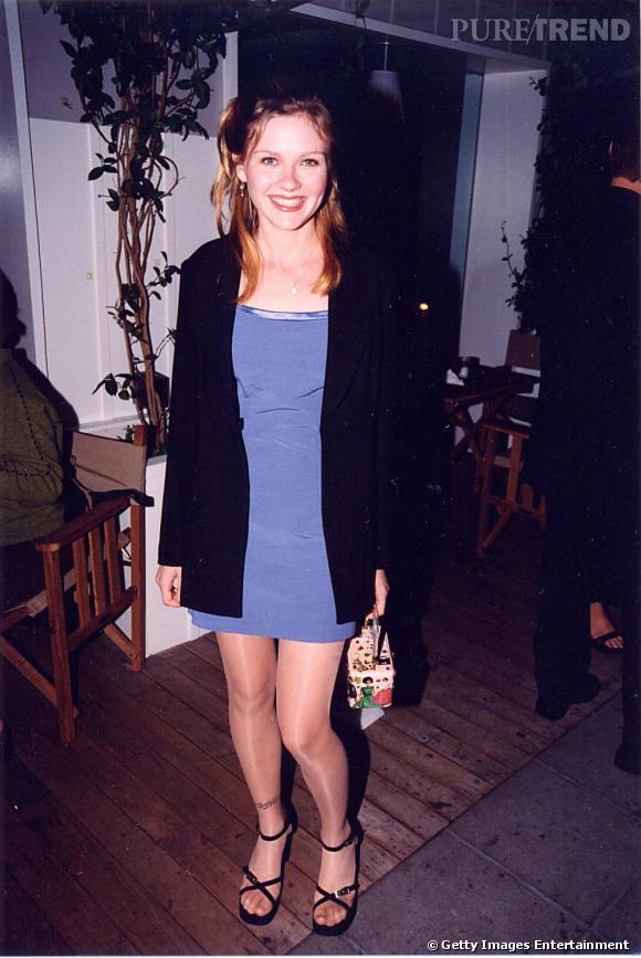 Adolescente, le look de Kirsten c'était minirobe et sandales compensées