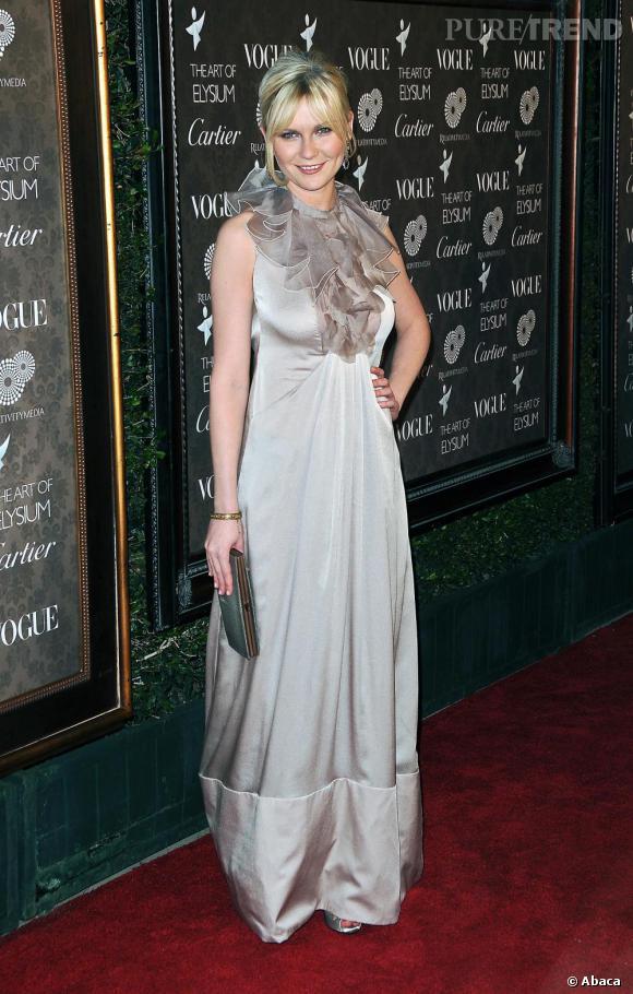 Kirsten ose la robe de gala, très chic mais un peu vieillotte