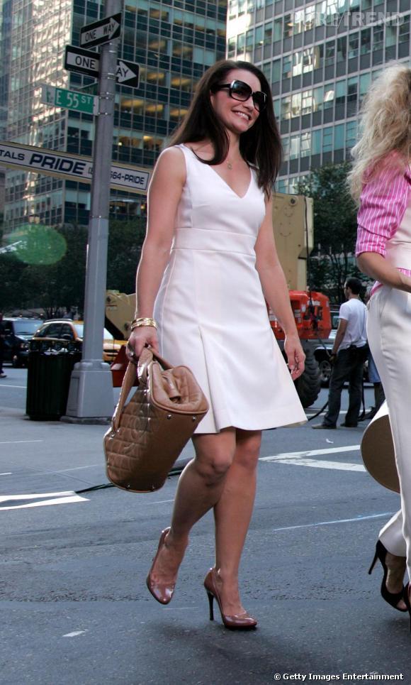 La petite robe blanche bien coupée qui signe la new yorkaise de l'Upper East Side