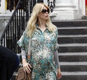 Claudia Schiffer, enceinte, tente la chemise tachetée