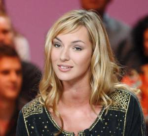 Louise Bourgoin : plus jolie en blonde ou en brune ?