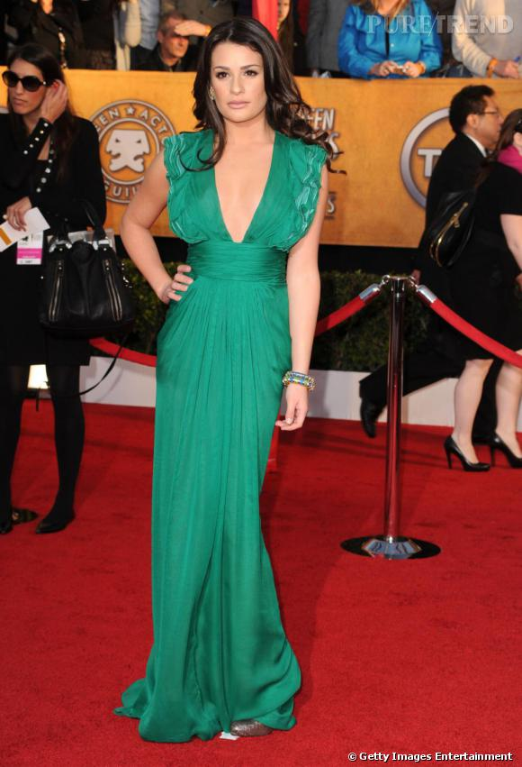 En robe turquoise Malandrino, Lea prend des airs de sirène !