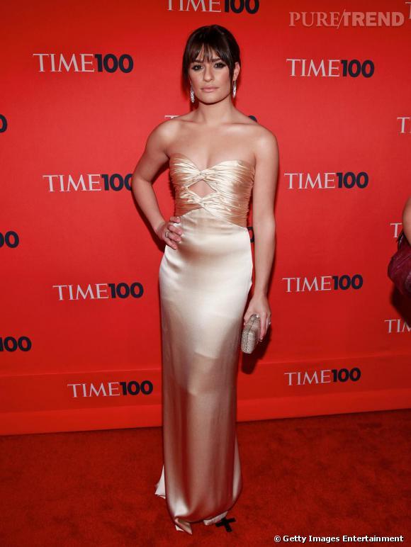 Sublime sur tapis rouge en robe Oscar de la Renta