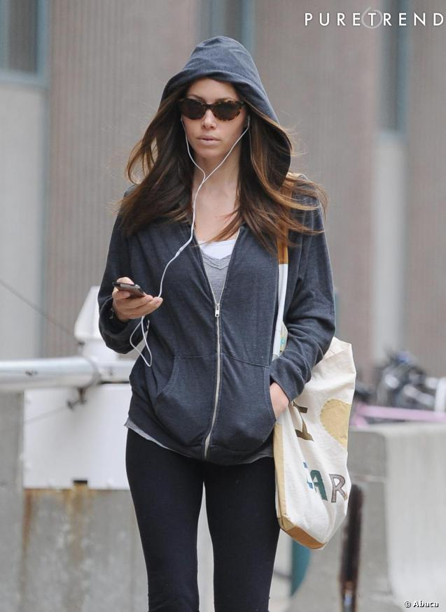 jessica biel son look sport shopper. Black Bedroom Furniture Sets. Home Design Ideas