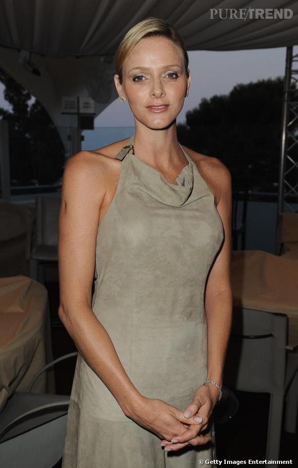 Charlene Wittstock opte pour un look minimaliste au gala FightAids.