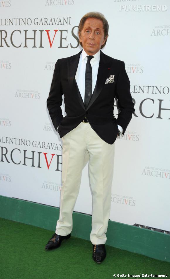 En 2010, les créations Valentino ont un rayonnement international. Quant au créateur, il reste fidèle à son style légendaire.