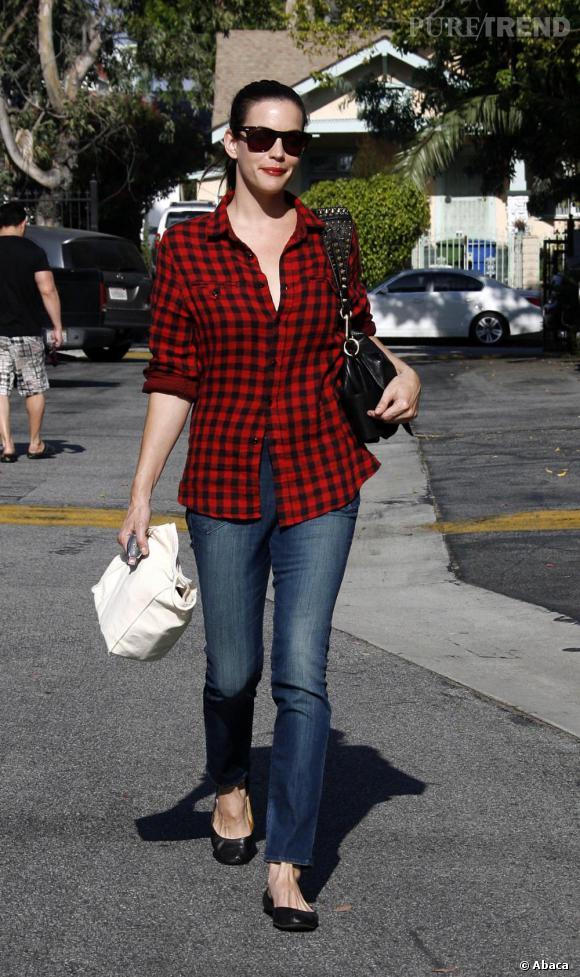 Liv Tyler est une adepte du look casual rock.