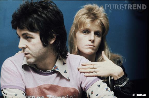 """En 1974, Paul et Linda McCartney succombent tous deux à la coupe mulet, """"The Mullet"""" en vo."""