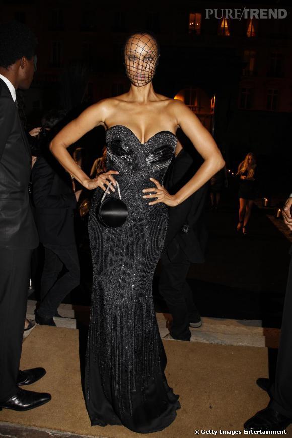 La belle masquée, Tyra Banks à la soirée Vogue.